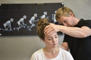 hur blir man av med spänningshuvudvärk