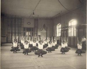 Bild: Svenska gymnaster från 1900.