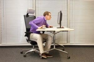 kontorsarbete kan leda till nackproblem